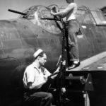 Aviation ordnancemen service .50 caliber (12,7 mm) machine guns