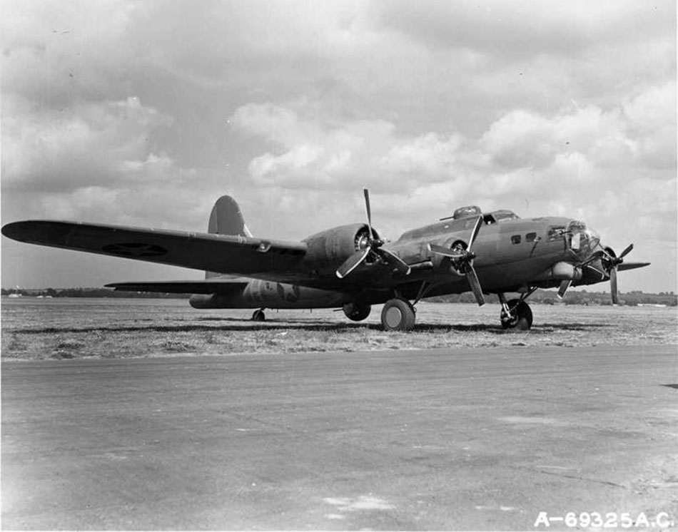 Escort bomber YB-40 of the 92nd Bomb Group, England 1943