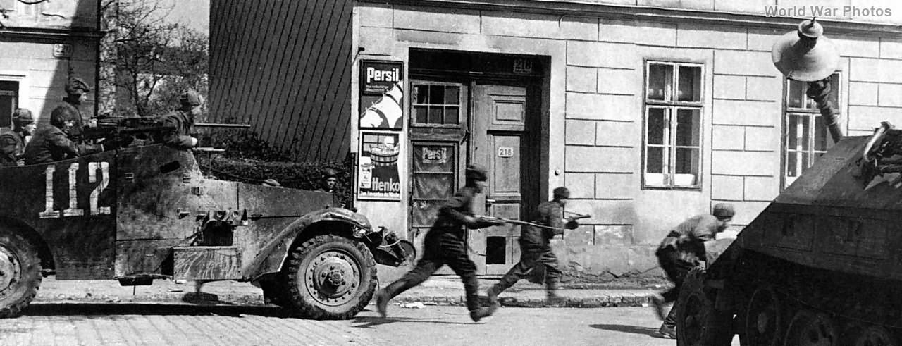 M3A1 scout car Tamiya M3A1_112_Austria_1945