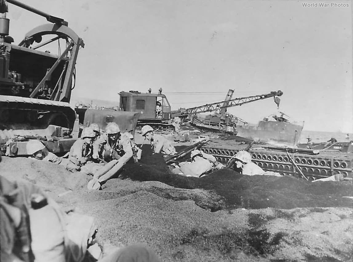4th 5th Division Marines Digging In on Iwo Jima