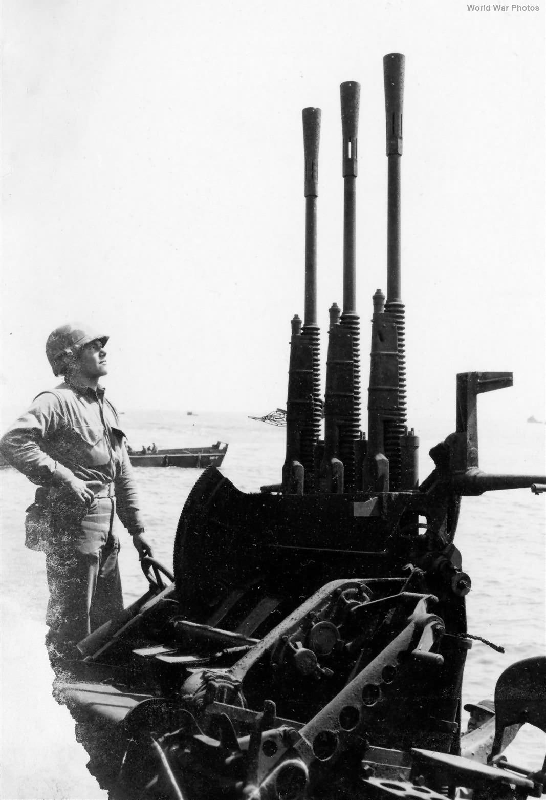 Japanese Triple 25mm AA Gun Mount on wrecked APD