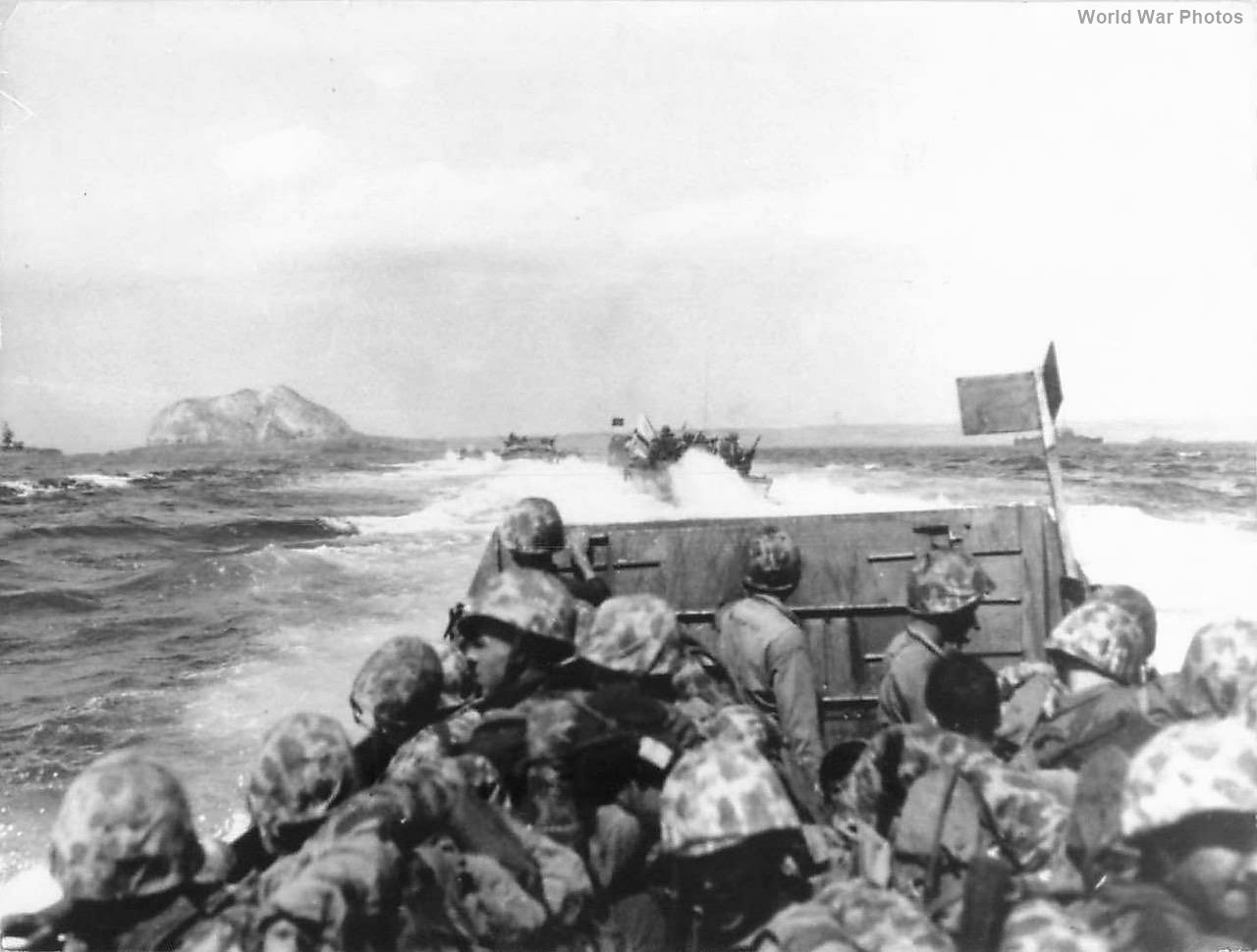 LVTs jam-packed with 4th Marine Division troops