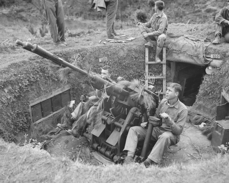 Captured Japanese AA Gun Okinawa pacific | World War Photos