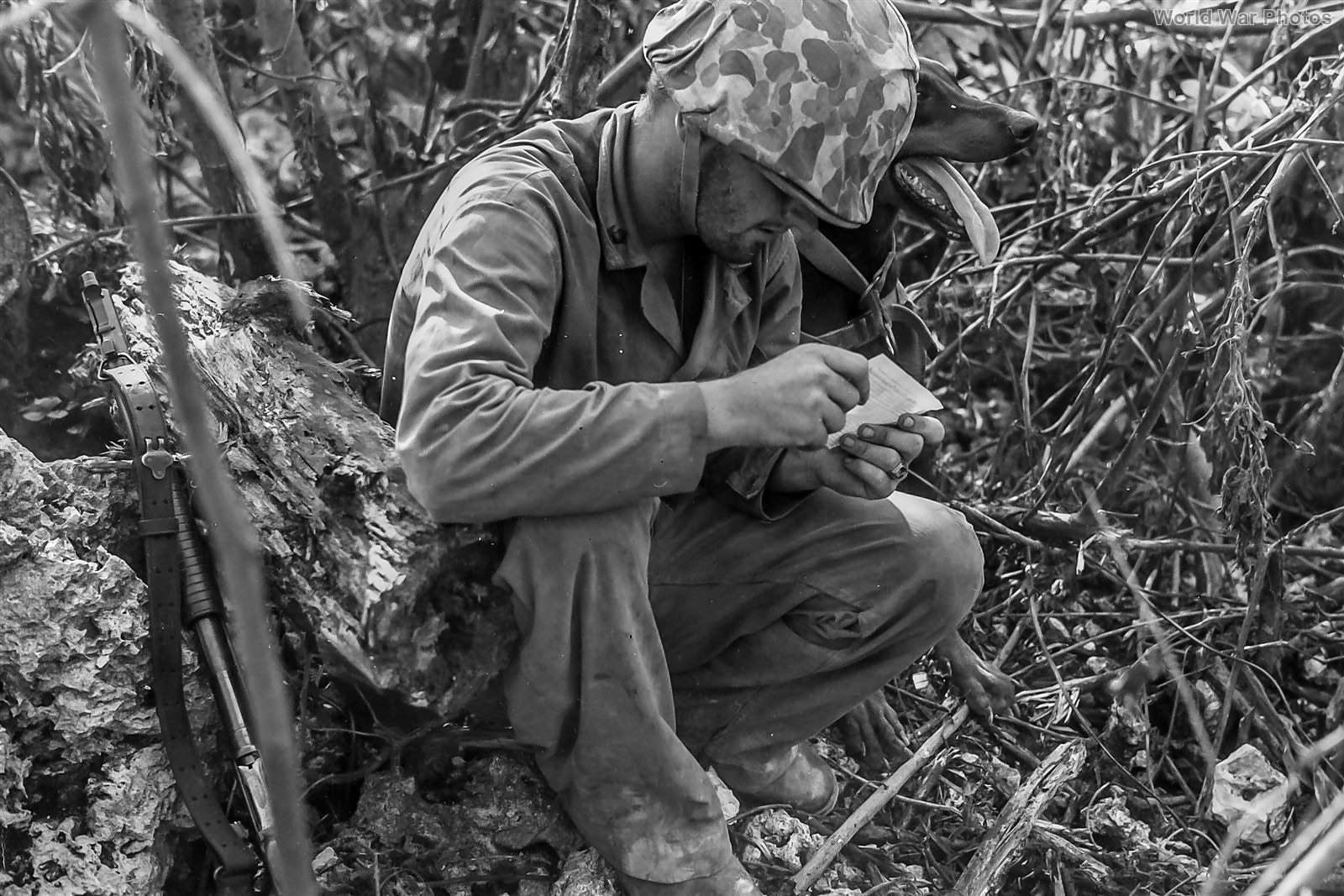 Marine_Dog_Handler_with_Model_1897_Winch