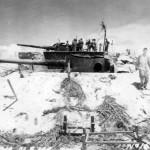 Capture Japanese 140 mm Coast Artillery Tarawa 1943