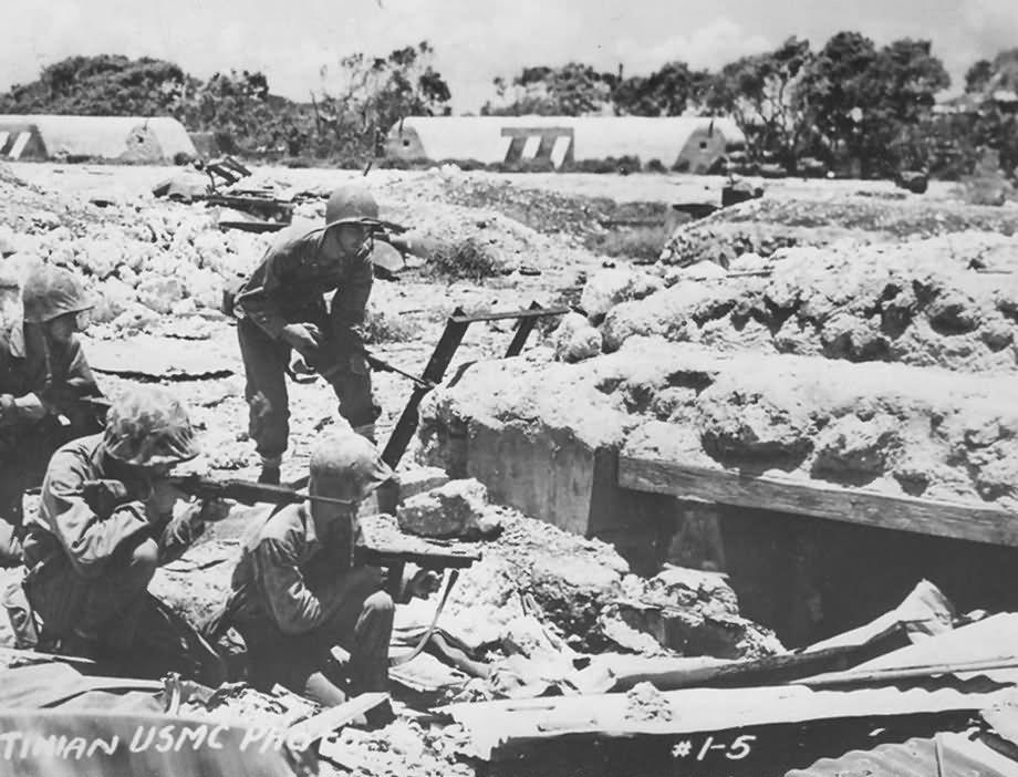 US Marines Battle of Tinian 1944   World War Photos