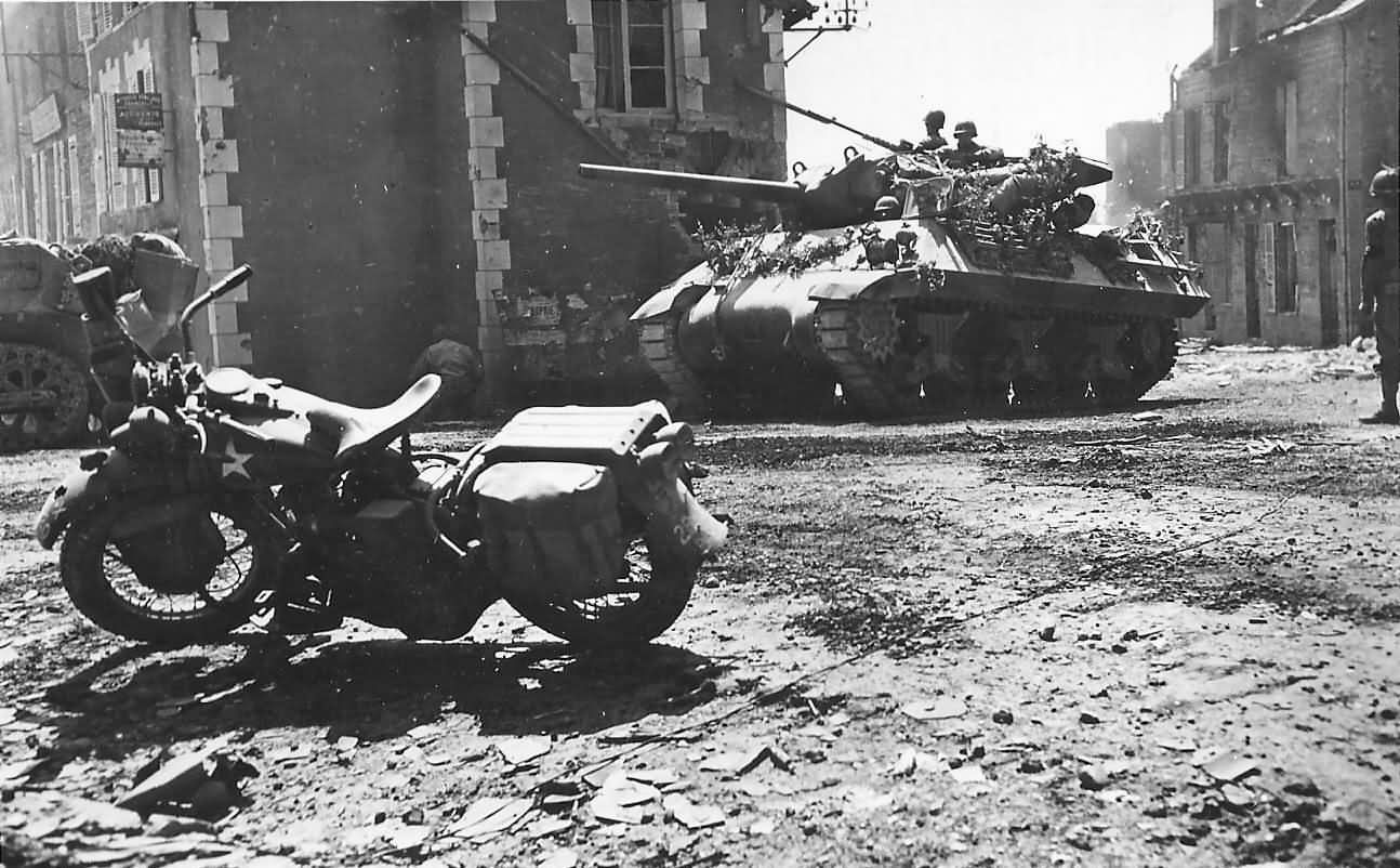 Camouflaged M10 Tank Destroyer And Harley Davidson In ...