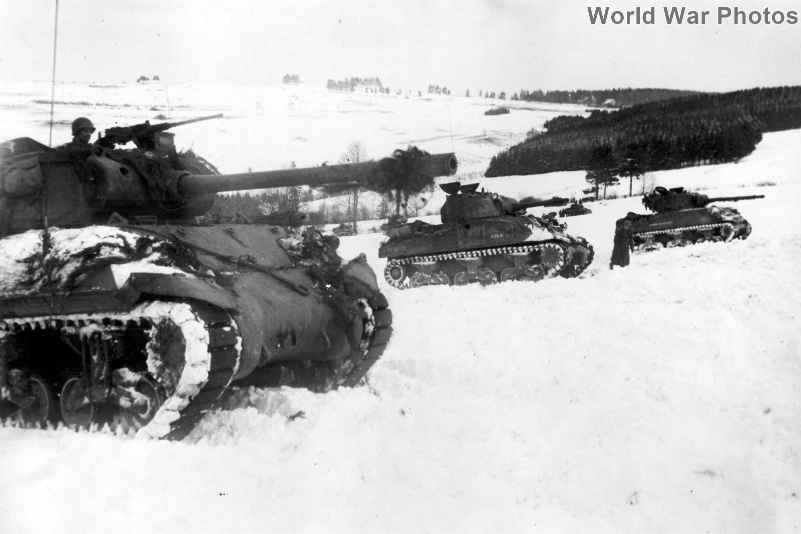 [Obrazek: 3rd_Armored_Division_Houffalize_Battle_o..._jan45.jpg]