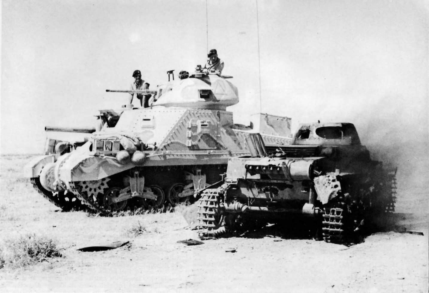m3 grant tank of the 1st armoured division and