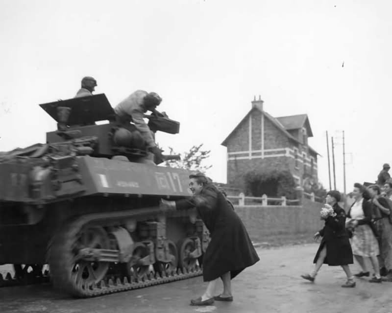 2nd free french armored division m5 stuart liberation of - French div 2 ...