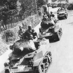 US 75mm Howitzer Motor Carriage M8 Scott On Road In England 1944