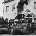 M36 Tank Destroyer Recaptures M4A3(76) from Germans in Aschaffenburg 1945