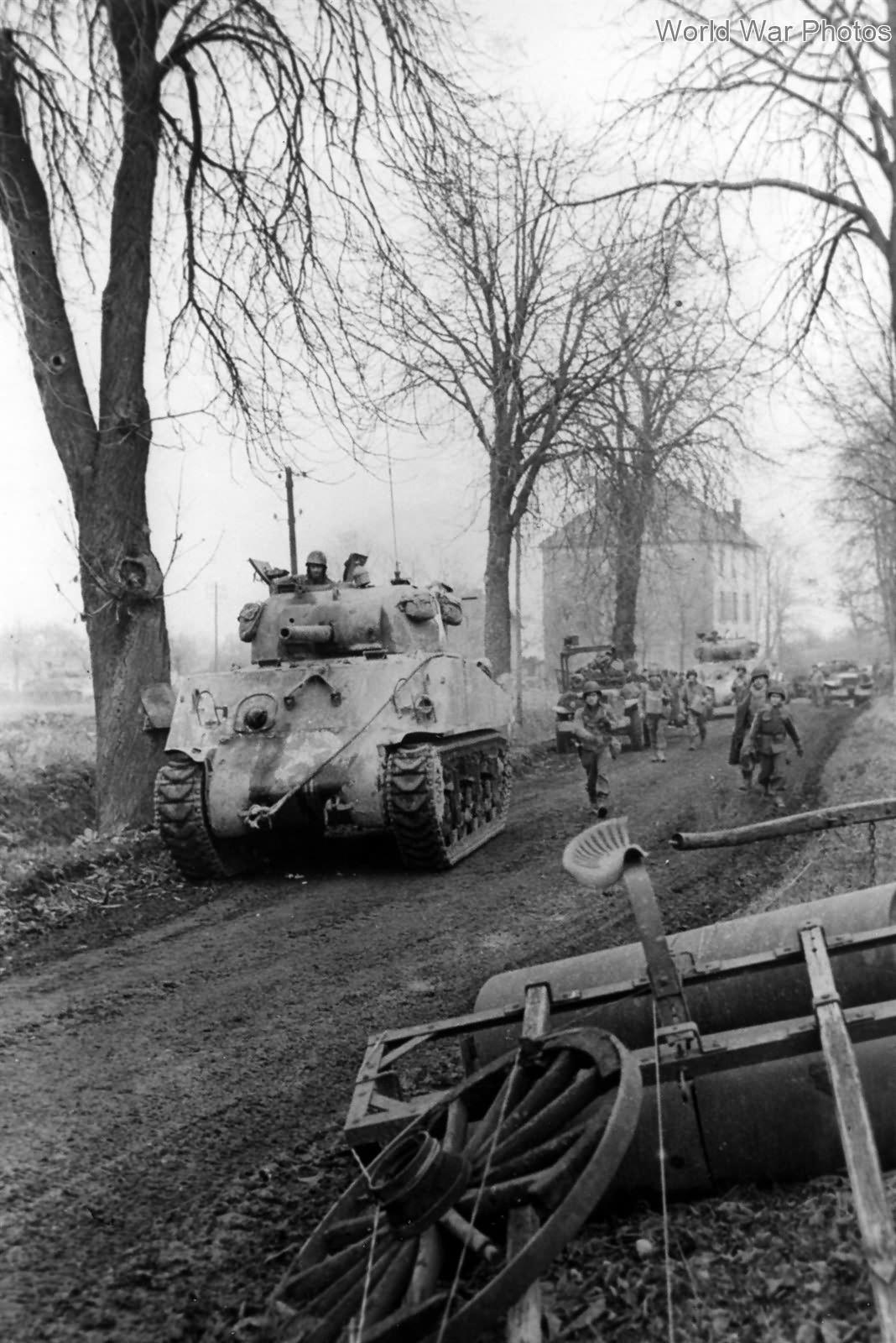 3rd Army M4 Sherman in Metz 18 November 1944 | World War Photos