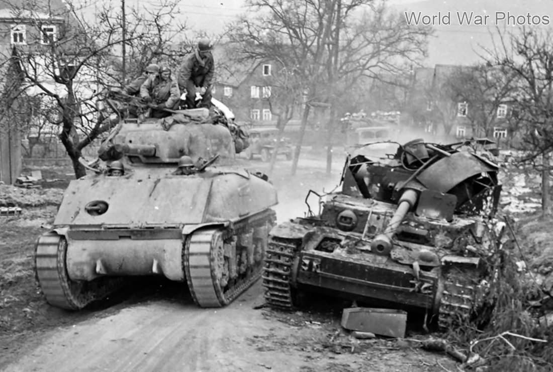 Up-armored_M4A1_Remagen45.jpg