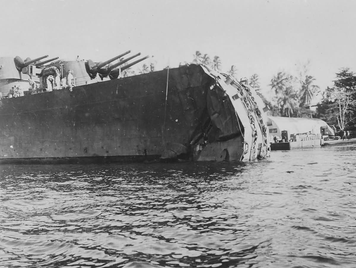 Cruiser USS Honolulu CL-48 lost bow in battle of Kolombangara 1943