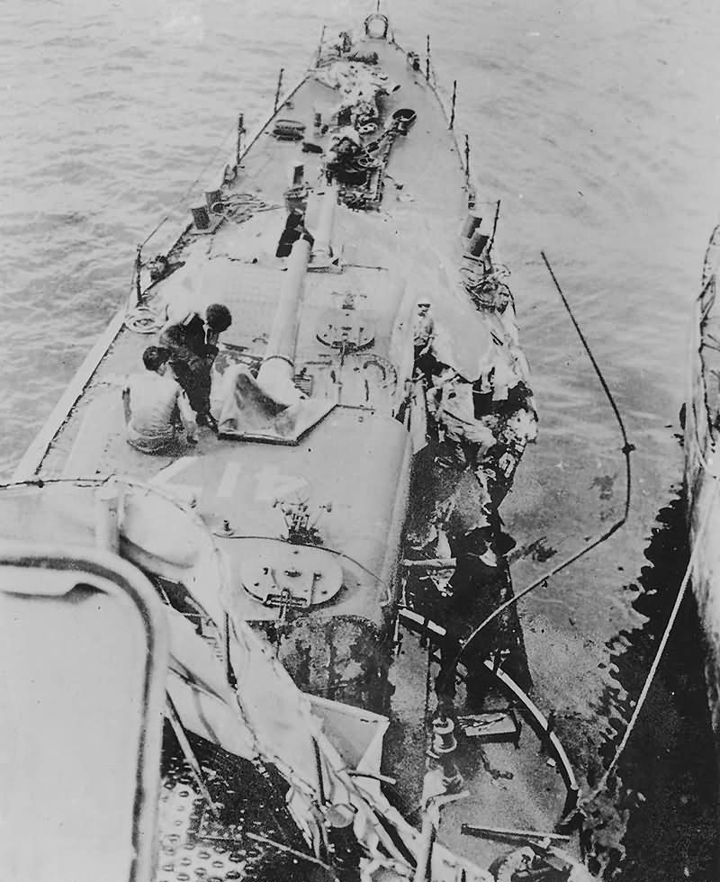 Destroyer USS Morris DD-417 hit by suicide plane off Kerama Retto April 1945