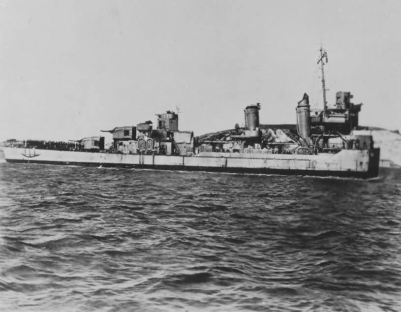 Destroyer USS Selfridge DD-357 lost bow to bridge in Battle of Vella Lavella October 1943