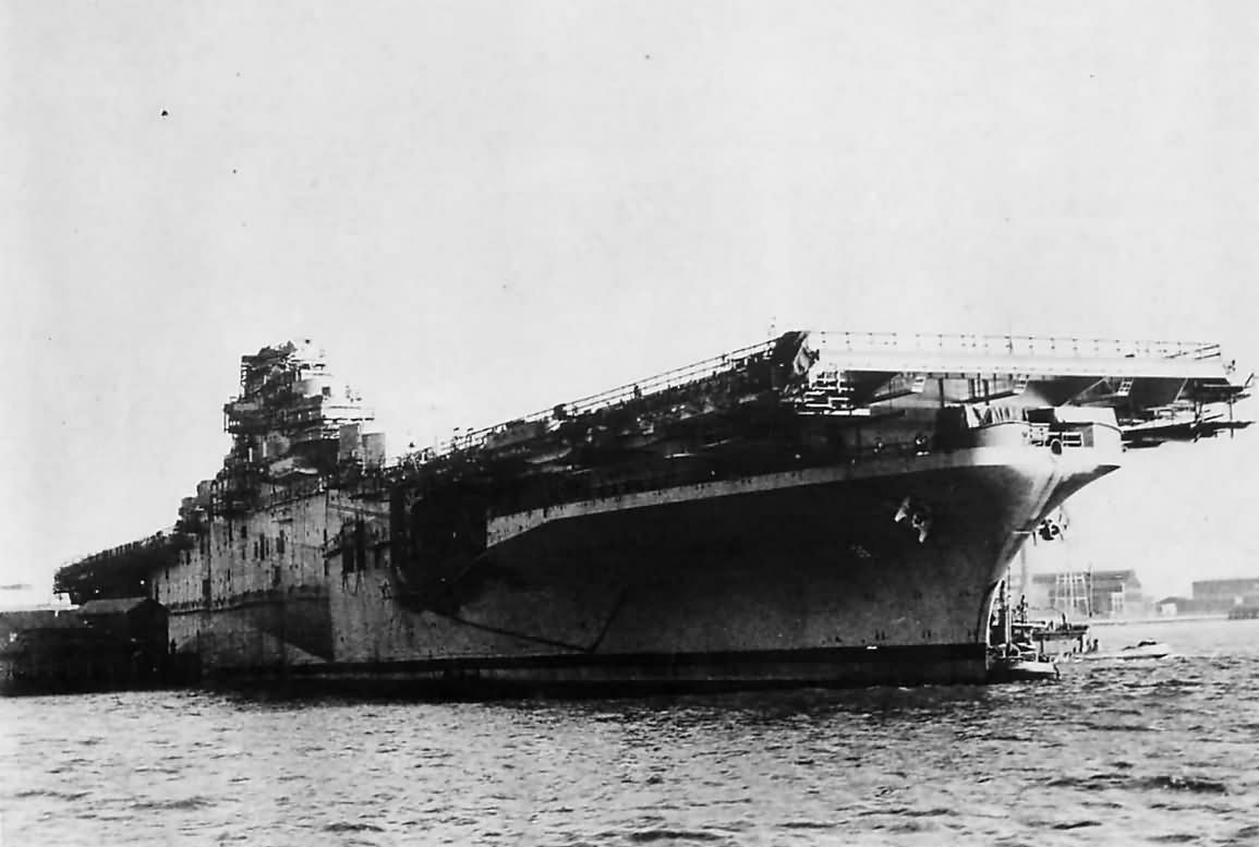 Essex Class Aircraft Carrier USS Antietam CV-36 1945