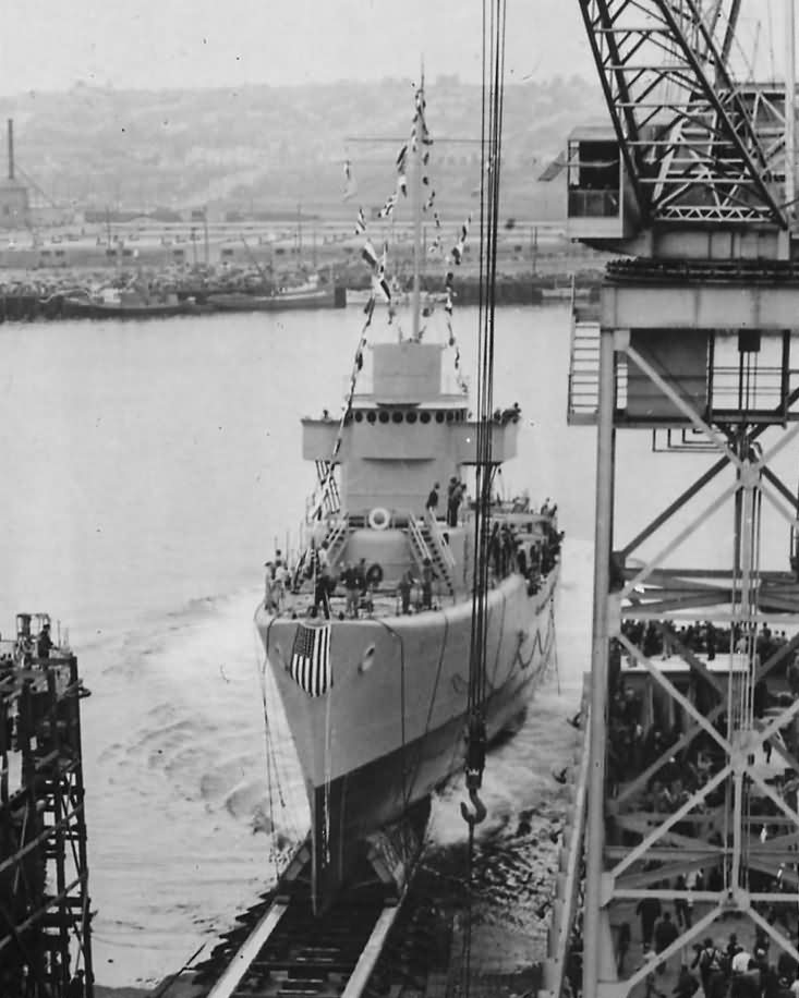 Launch at the Bethlehem Steel Destroyer USS Kendrick DD-612 2 April 1942