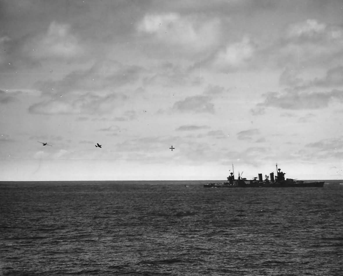 SBD Dauntless Bombers Ditching by USS Astoria CA-34 in Battle of Midway 1942