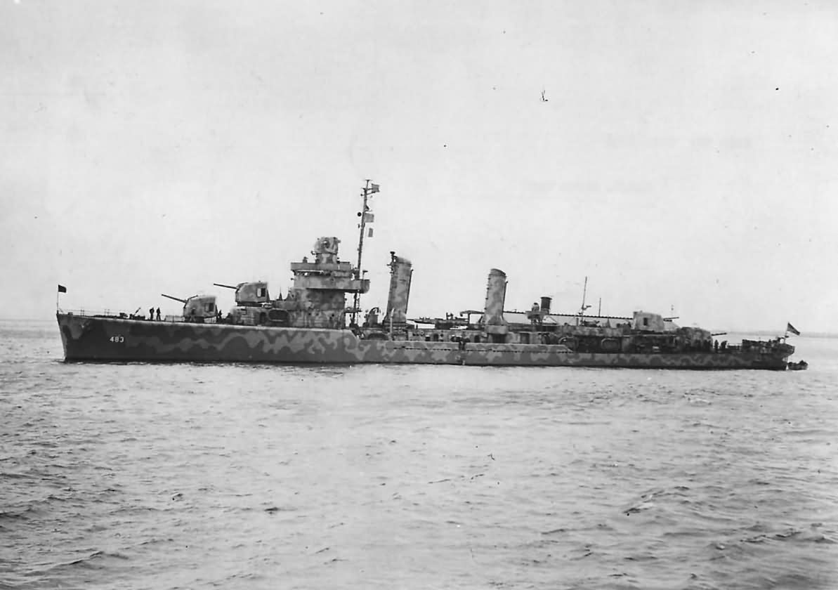 USS Aaron Ward DD-483 in New York Harbor 1942