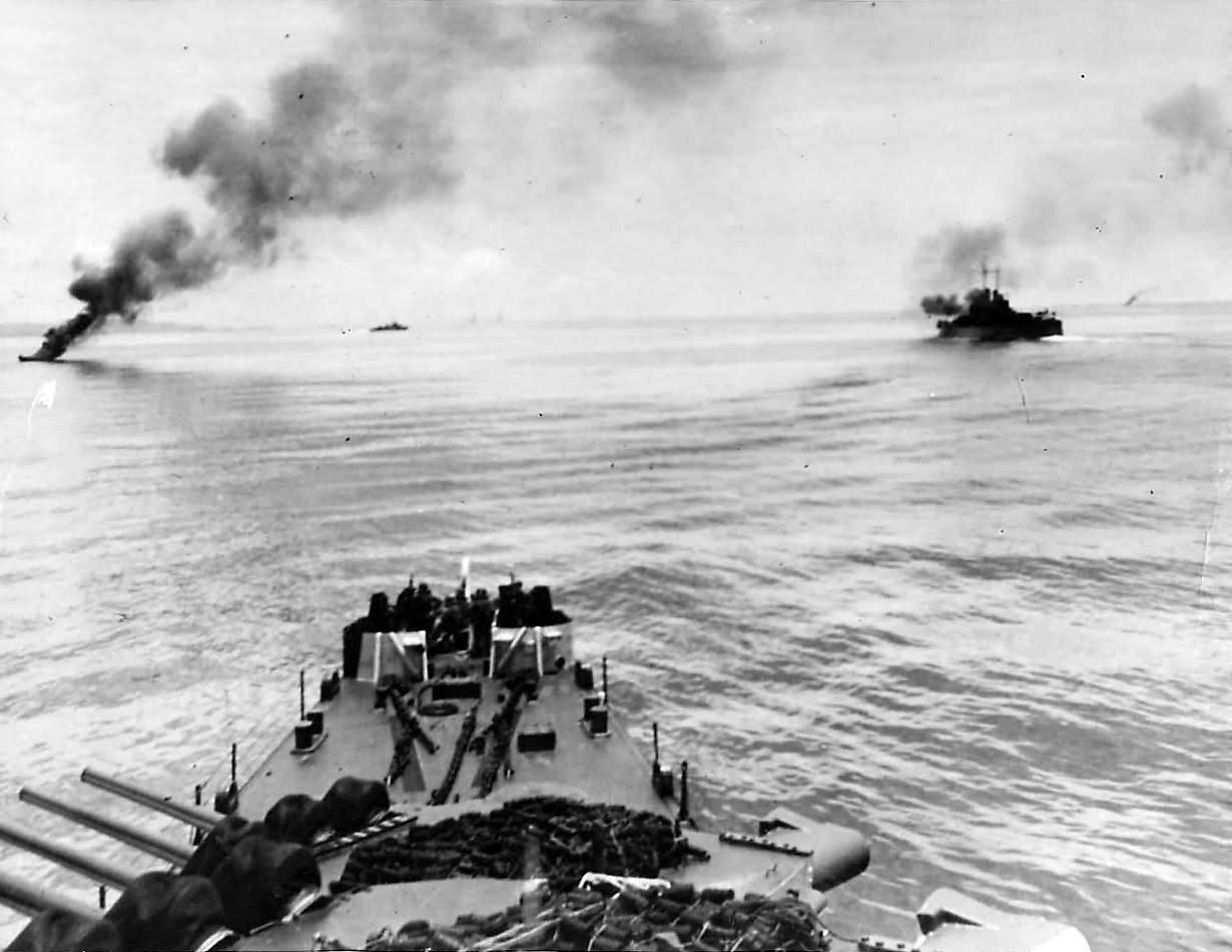 US Navy 3rd Fleet Attacking Japanese Convoy off Mindanao