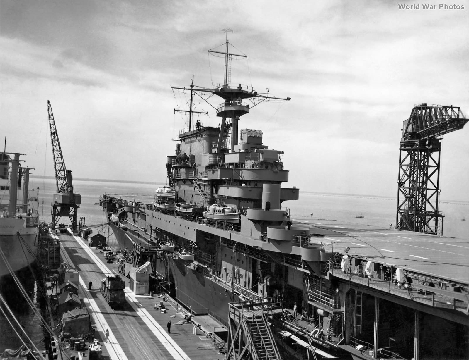 USS Hornet fitting out, October 1941 2