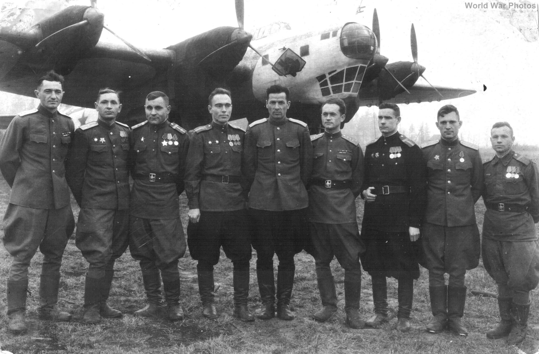 Pe-8 4214 1945