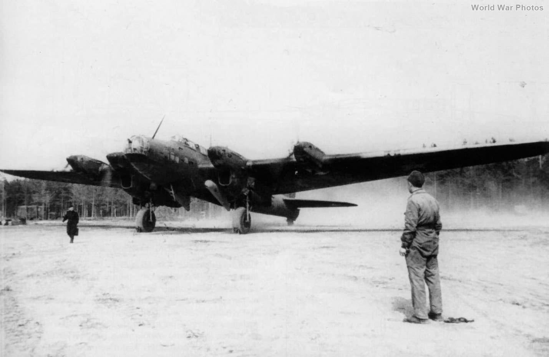 Pe-8 AM-35A 1942