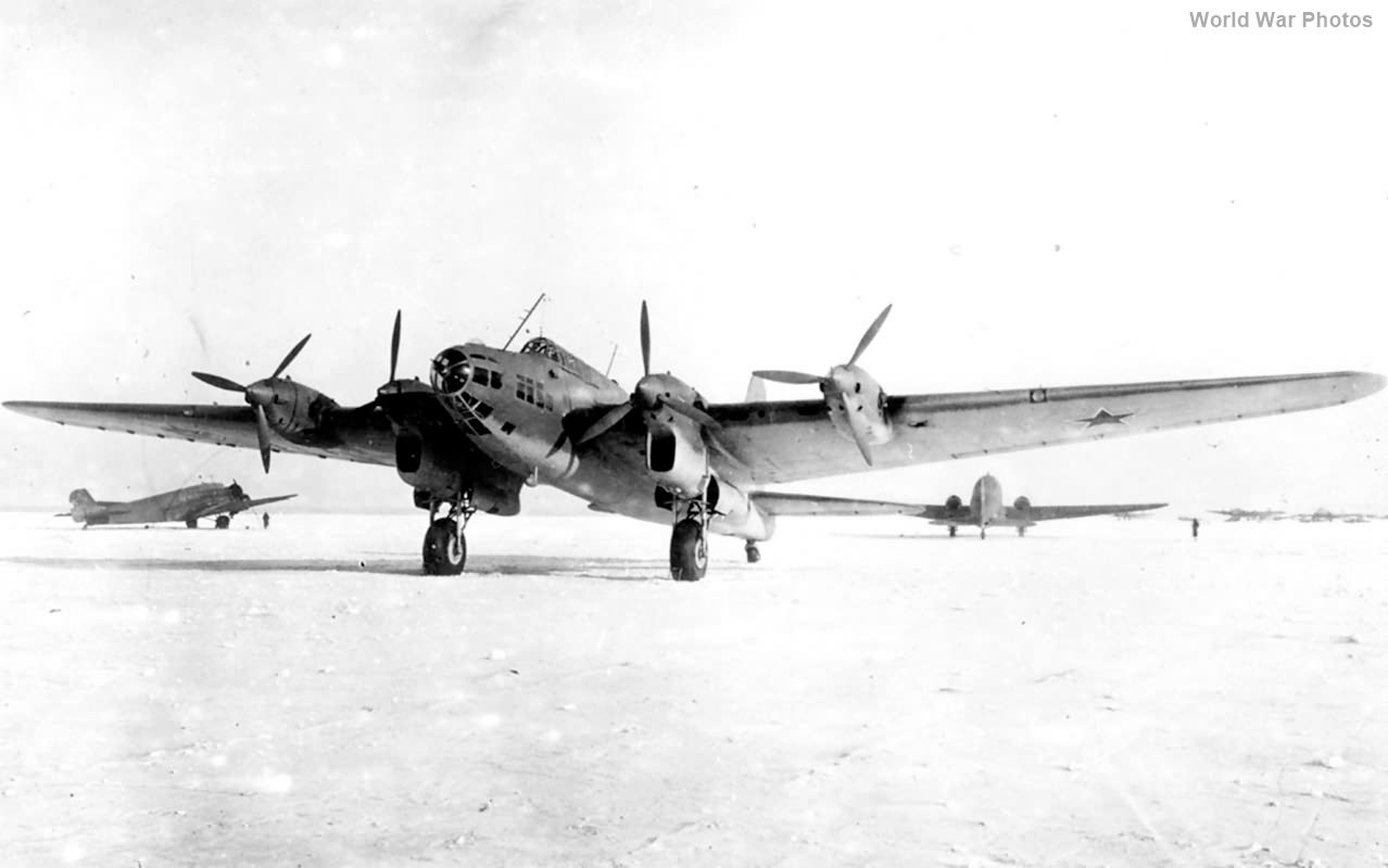 Petlyakov Pe-8 ON 42712 1945