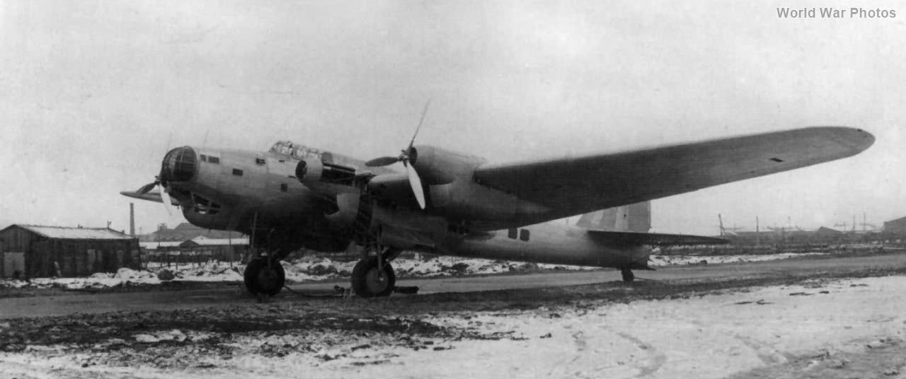Pe-8 prototype 1937 2