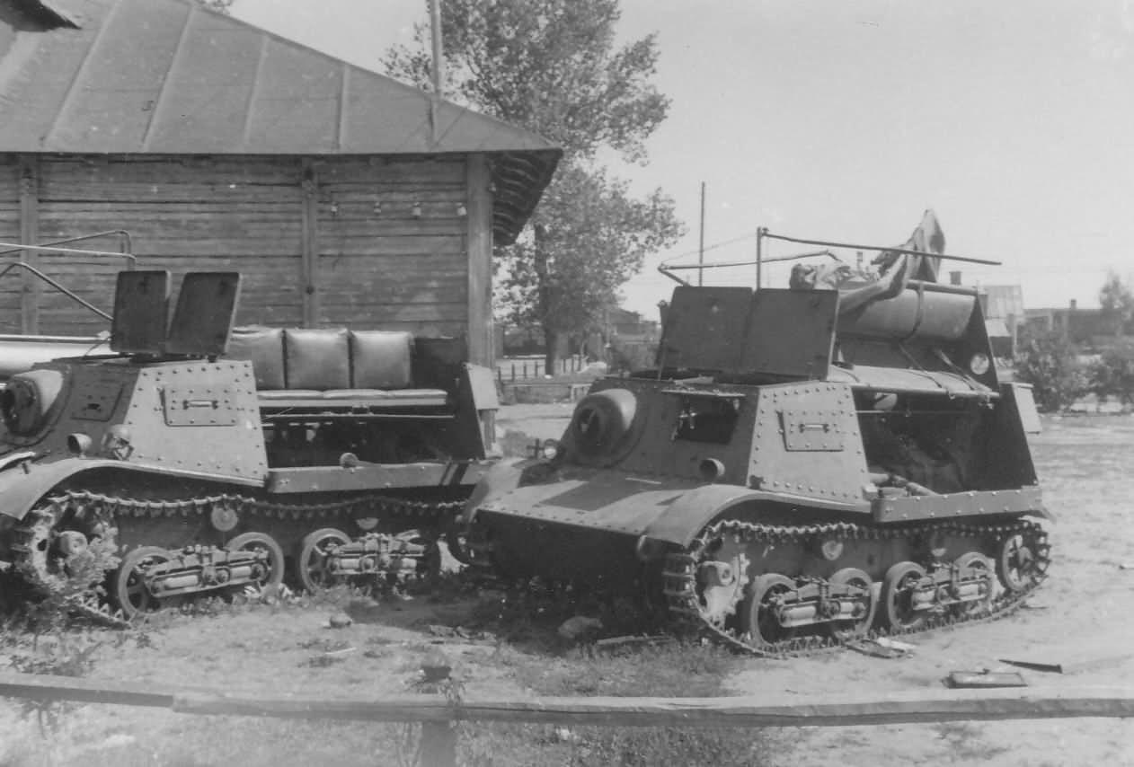 Komsomoletz Light Artillery Tractors