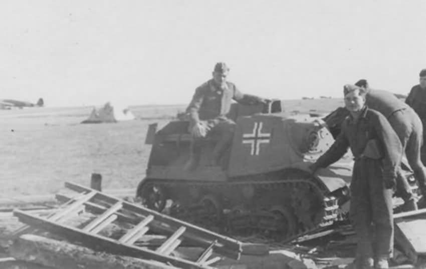 Leicht Gepanzerter Artillerieschlepper 630 (r) Komsomoletz