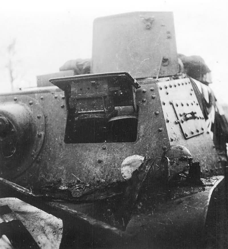 Russian Artillery Tractor T-20 Komsomoletz 4