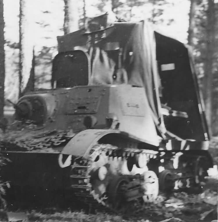 Russian Artillery Tractor T-20 Komsomoletz 5