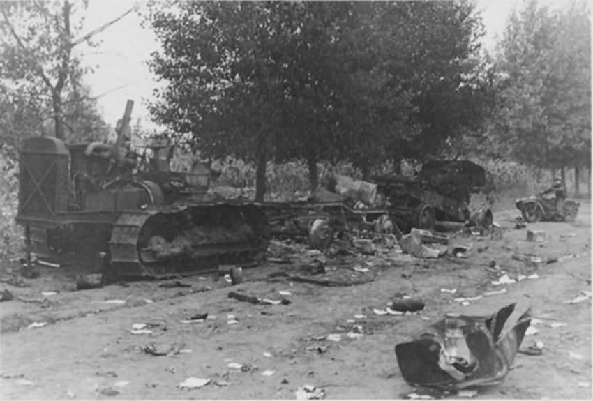 destroyed Stalinetz S-65
