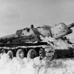 Su-122 with provisional winter camouflage, 1943
