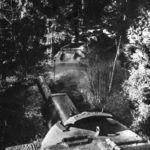 Su122 passing through the forest