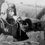 SU 152 commander