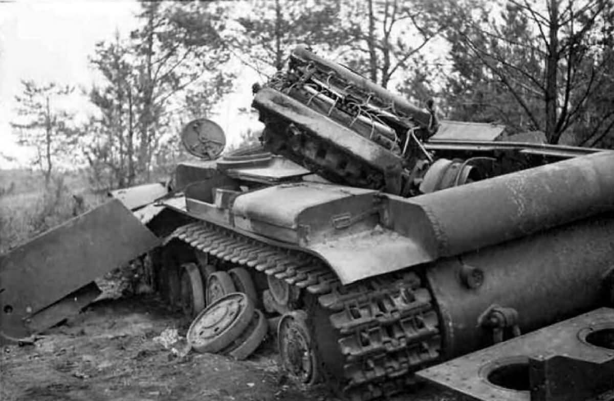kv 1 heavy tank destroyed 82 world war photos. Black Bedroom Furniture Sets. Home Design Ideas