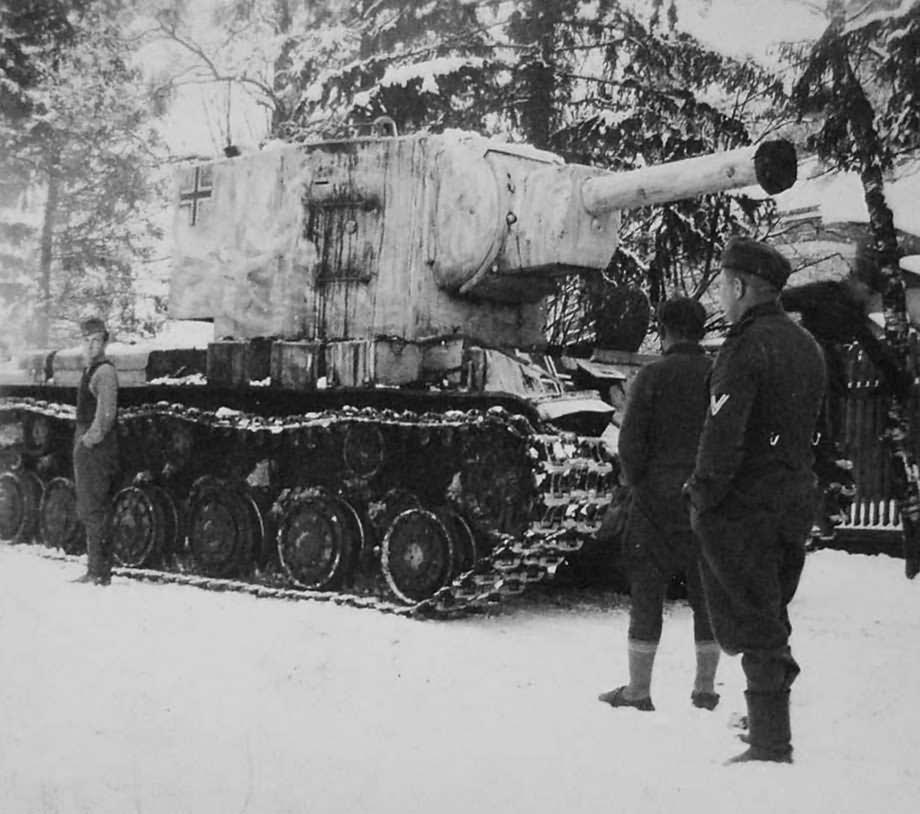 German KV2 tank winter camouflage