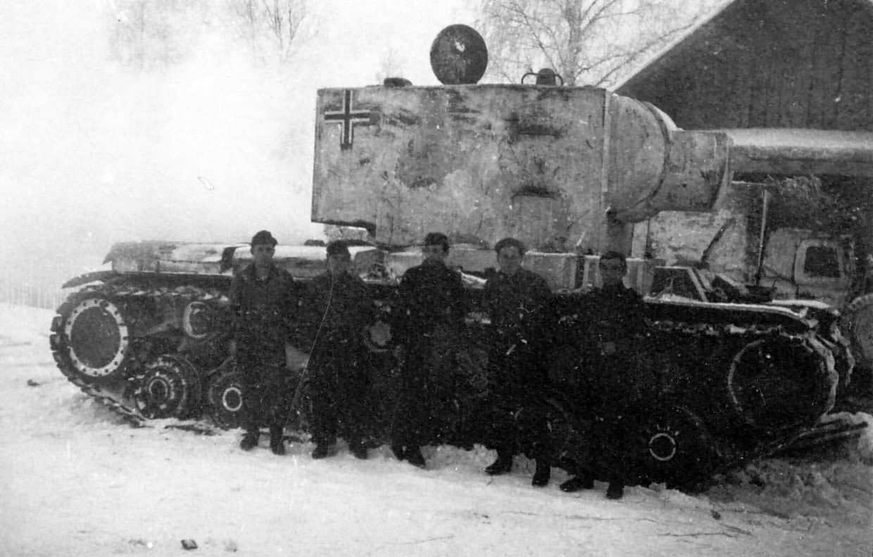 German KV2 winter camouflage