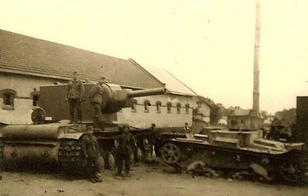 KV-2 and T-26 tanks