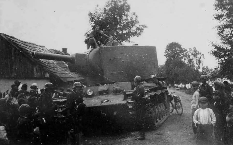 Tank KV2 captured by the Germans Eastern Front 1941 7