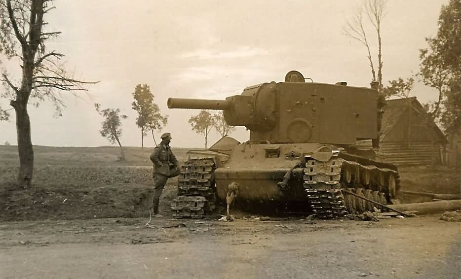 KV-2 heavy tank – late type