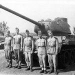 T-34-85 with crew