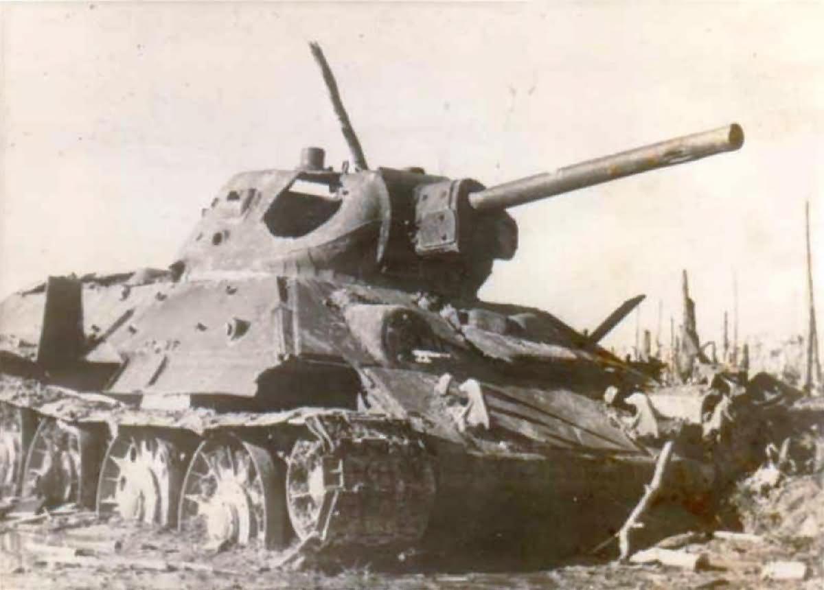 T-34_tank_destroyed_AFV_57.jpg