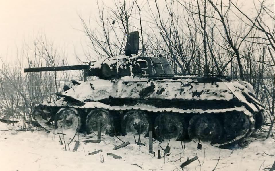 Russian tank T-34 76   World War Photos