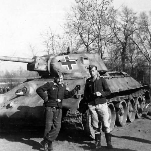 Panzerkampfwagen T-34 747 (r) 2