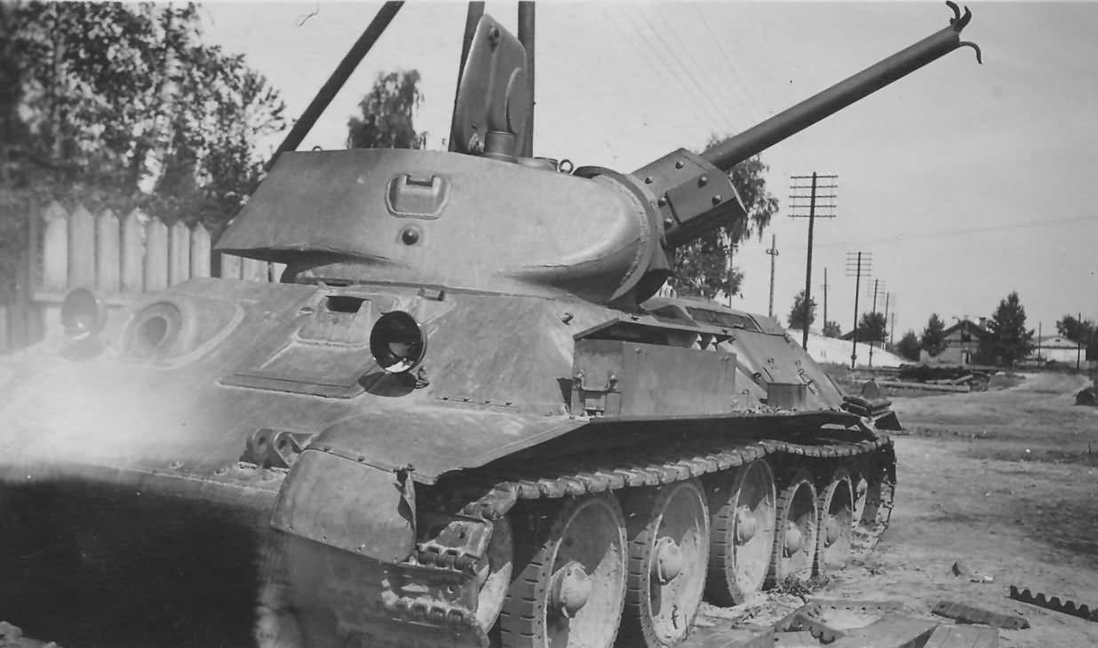 T-34 with cast turret Belarus Luninetz 2